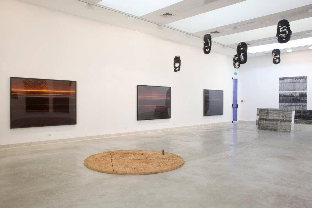 מונוכרום - חלל התערוכה